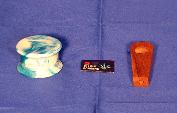 Wooden Pipe & Acrylic Grinders & Screens